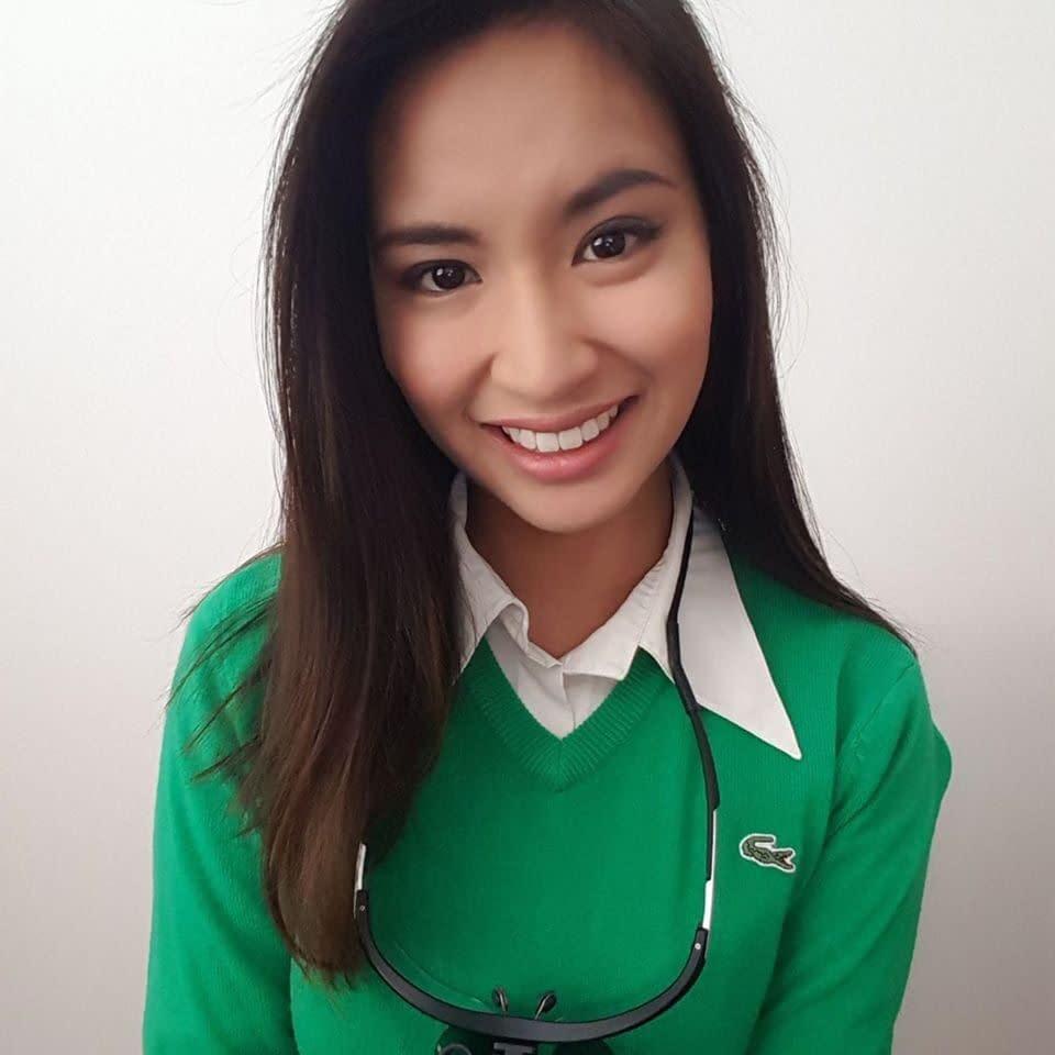 Minh-Thu headshot